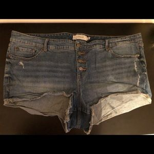 Torrid 3.5 Buttonfly Shorts